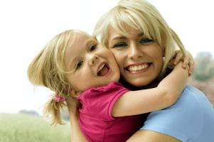 Что за выделения появляются у девочек и для чего они нужны