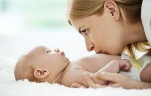 Гемолитическая болезнь новорожденных: 2 основные причины, симптомы, 2 направления лечения