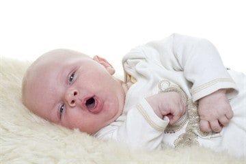 Как понять что у ребенка режутся зубы: 7 оновных симптомов