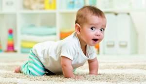 Когда ребенок начинает держать голову: развитие в 4 этапа и 5 упражнений по укреплению мышц