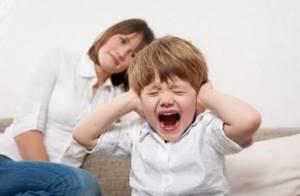Кризис 3 лет: что это такое, 7 главных признаков, рекомендации для родителей от детского психолога