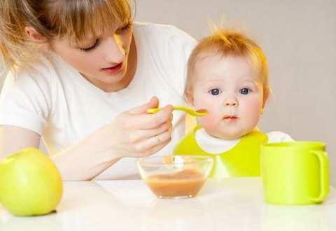 Меню ребенка в 9 месяцев: 3 правила кормления ребенка до года, желательные и нежелательные продукты