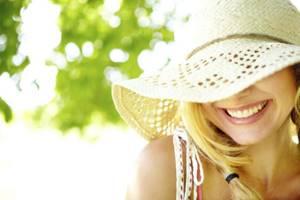 Можно ли посещать солярий во время месячных и загорать на солнце