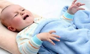 Новорожденный вздрагивает во сне: 7 возможных причин, 28 рекомендаций врача родителям