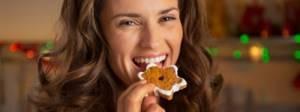 По какой причине во время ПМС и месячных хочется сладкого и тянет на солененькое