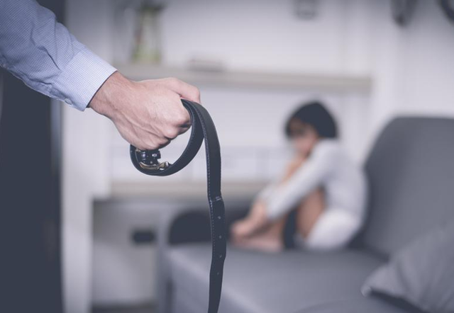 Почему нельзя бить детей: 5 страшных последствий физических наказаний и 5 способов наказывать правильно