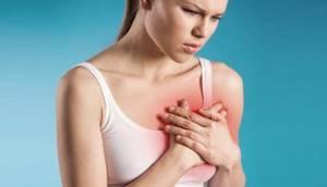 Почему появляются выделения из груди при беременности