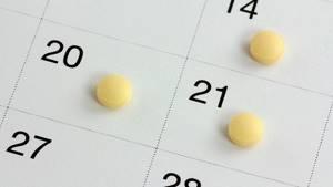 Почему во время приема противозачаточных начались месячные
