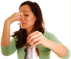 Причины плохого запаха во время месячных