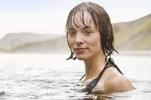 Тампоны: можно ли с ними купаться во время менструации