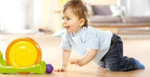 Во сколько дети начинают ходить: 8 этапов обучения, 3 совета врача, 4 упражнения, меры предосторожности
