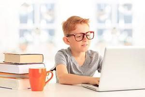 Вред компьютера, причиняемый ребёнку, и 7 способов его избежать