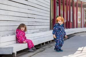 Зимние комбинезоны для детей: 5 советов от педиатра